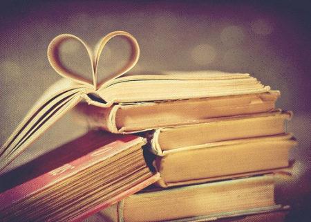 Pengalaman Pertama Saya Bikin Buku