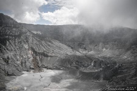 Kawah Ratu Tangkuban Perahu