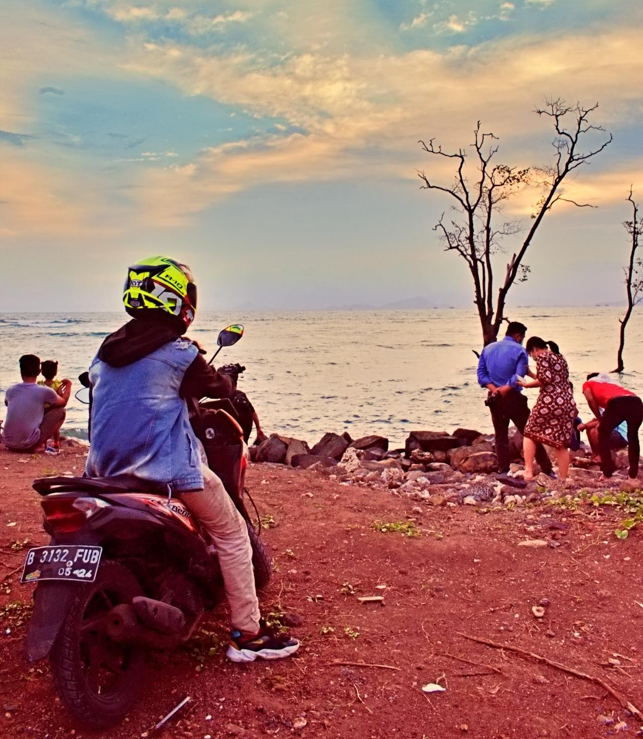 Belajar Mengendarai Sepeda Motor